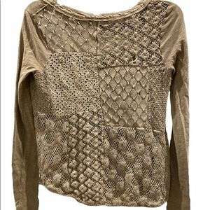 Free People Green Lace Eyelet V-neck top shirt (H)